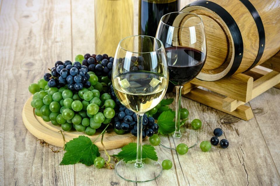 Вино сужает или расширяет сосуды головного мозга